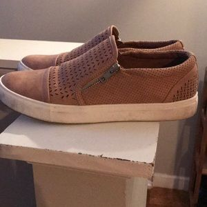 REPORT Slip On Sneakers Womens Size 9